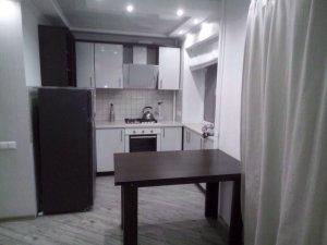 Оренда 2 кімнатної квартири вул. Перемогі Ціна 6500+км.п