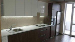 Оренда 1 кімнатної квартири Новобудова ЖК. Яровиця Євроремонт, кухня вмонтована, холодильник, стиральна машина авт.оп Меблі по домовленості Ціна 6500+км.п