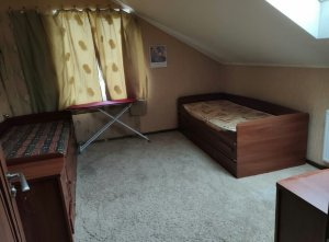 Оренда 3 кімнатної квартири Новобудова р-н. ЛПЗ двох рівнева квартира 100м2. 1 поверх кухня ванна туалет зал коридор . 2 поверх спальня. дитяча .душ .туалет Ціна 250$+комунальні платежі Здана
