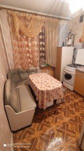 Оренда 1 кімнатної квартири пр. Соборності Косметичний ремонт, меблі, побутова техніка Ціна 4000+км.п